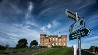 inverness-castle-01