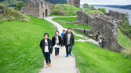 urquhart-castle-02